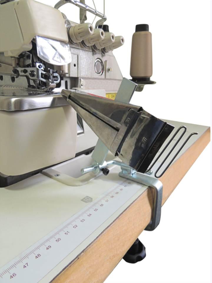 Suporte para fixar aparelho na mesa da máquina de costura